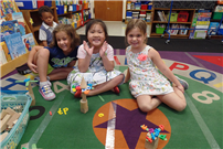 Kindergartners Conduct STEAM Activity Based on Popular Book photo  thumbnail80911