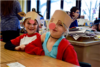 Students in reindeer hats thumbnail85512