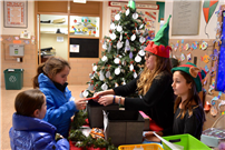 Waverly Park Students Spread Cheer Photo 6 thumbnail104908